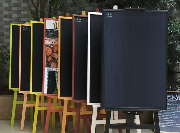 Wooden easel banner stand for just Rs 1499/-   Whizz Prints